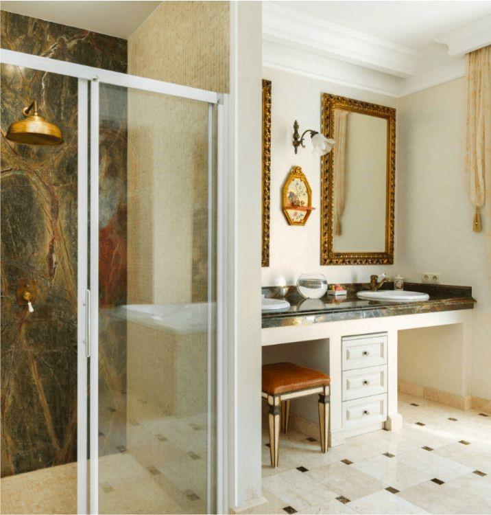Пример дизайн интерьера ванной в классическом стиле Черновцы